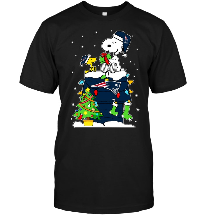 dee7fdc4d New England Patriots  Snoopy   Woodstock Christmas T-Shirt - Buy T ...